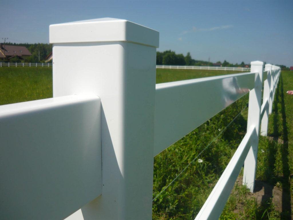 plastikowe ogrodzenia do stadnin dla koni